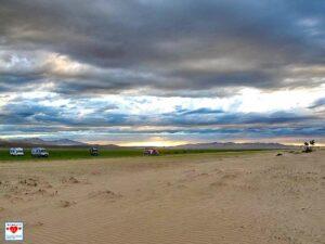 Drama, Baby! Himmel, Landschaft, Weite. Eine typische Impression auf der langen Reise. (Foto: Abert/abenteuerosten.de)