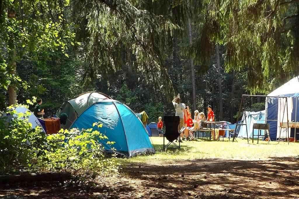 Camping: Ideal für Familien mit Kindern und Jugendgruppen. (Foto: Brahmsee; pixabay.com)