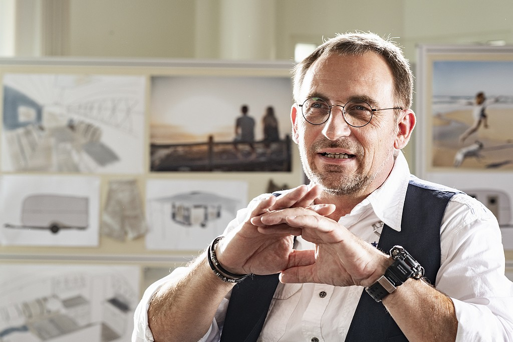 Reduce to the max: Holger Schulz, Geschäftsführer Hobby, weist auf die Vorteile des Beachy hin. (Foto: Hobby)