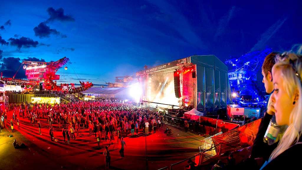 Hoffentlich bald wieder möglich: Festival-Party auf dem Gelände der Ferropolis. (Foto: ferropolis)