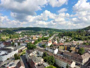 Das Panoramadach bietet interessante Nah- und Fernblicke über Wuppertal. (Foto: tom/dkf)