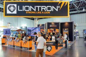 Viel los auf dem Messestand bei Liontron. (Foto: tom/dkf)
